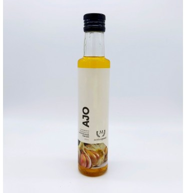 Oil macerated with garlic 250 Ml